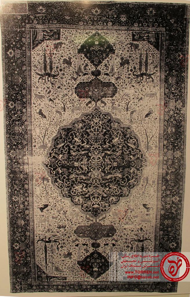فرش ترنج دار زمینه سفید (365 در 604 سانتیمتر)، شمال ایران، نیمه اول سده شانزدهم میلادی، اخذ شده در سال 1890 از کنیسه ای در ژنو توسط ویلهلم فون بوده